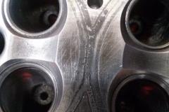 Дефекты плоскости ГБЦ Mercedes до фрезеровки